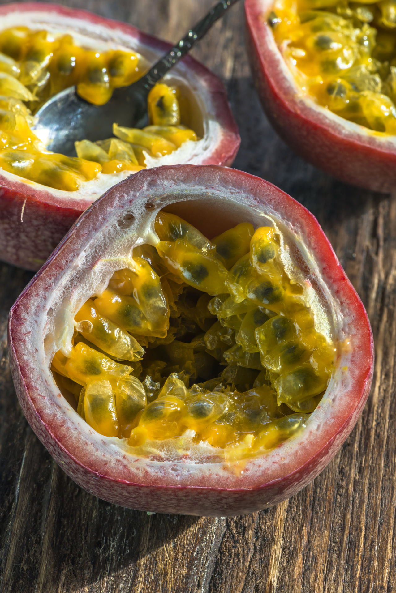 Closeup of passion fruit flesh Close Up Cut Day Exotic Fruits First Eyeem Photo Freshness Halved Halves Healthy Eating Indoors  Inside Mammal No People Passion Fruit Pula Seeds Spooky