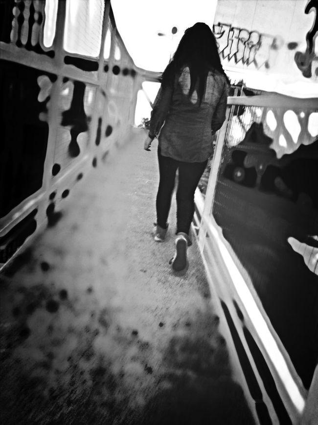Chica Subiendo Caminando Teen