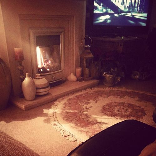 Homesweethome feet up for the Bbcapprentice