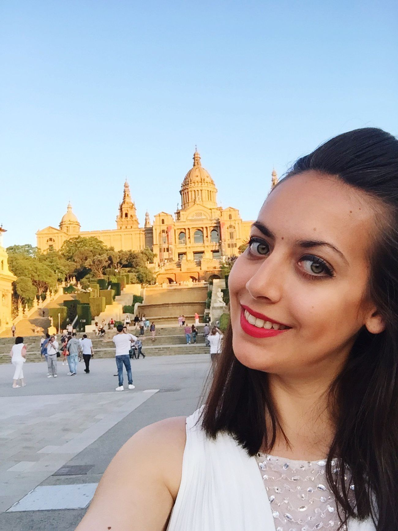 Barcelona Montjuic Clear Sky Smiling Outdoors Young Women Lifestyles
