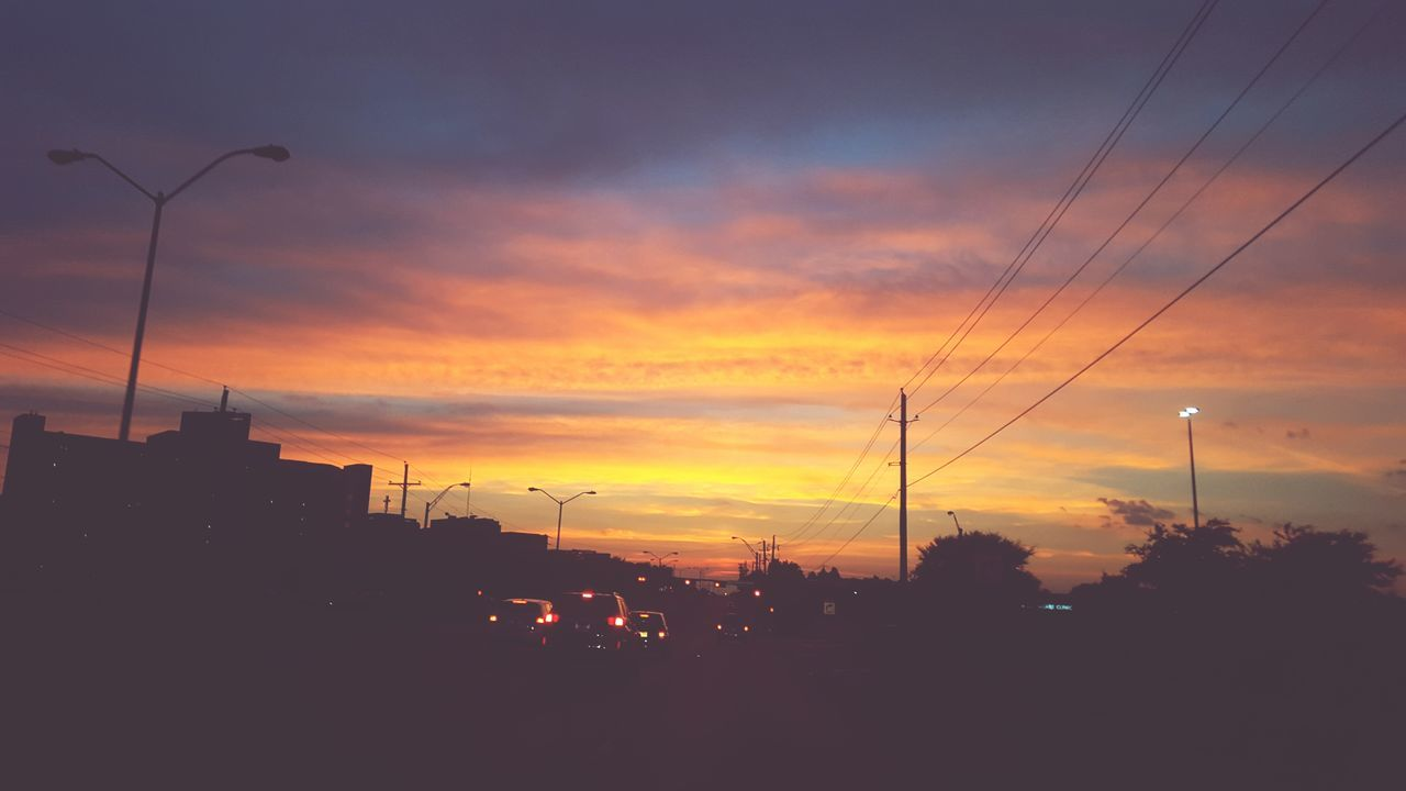Sky On Fire Sunset Dallas Tx Dallas Texas Nightlife Warm Warm Colors