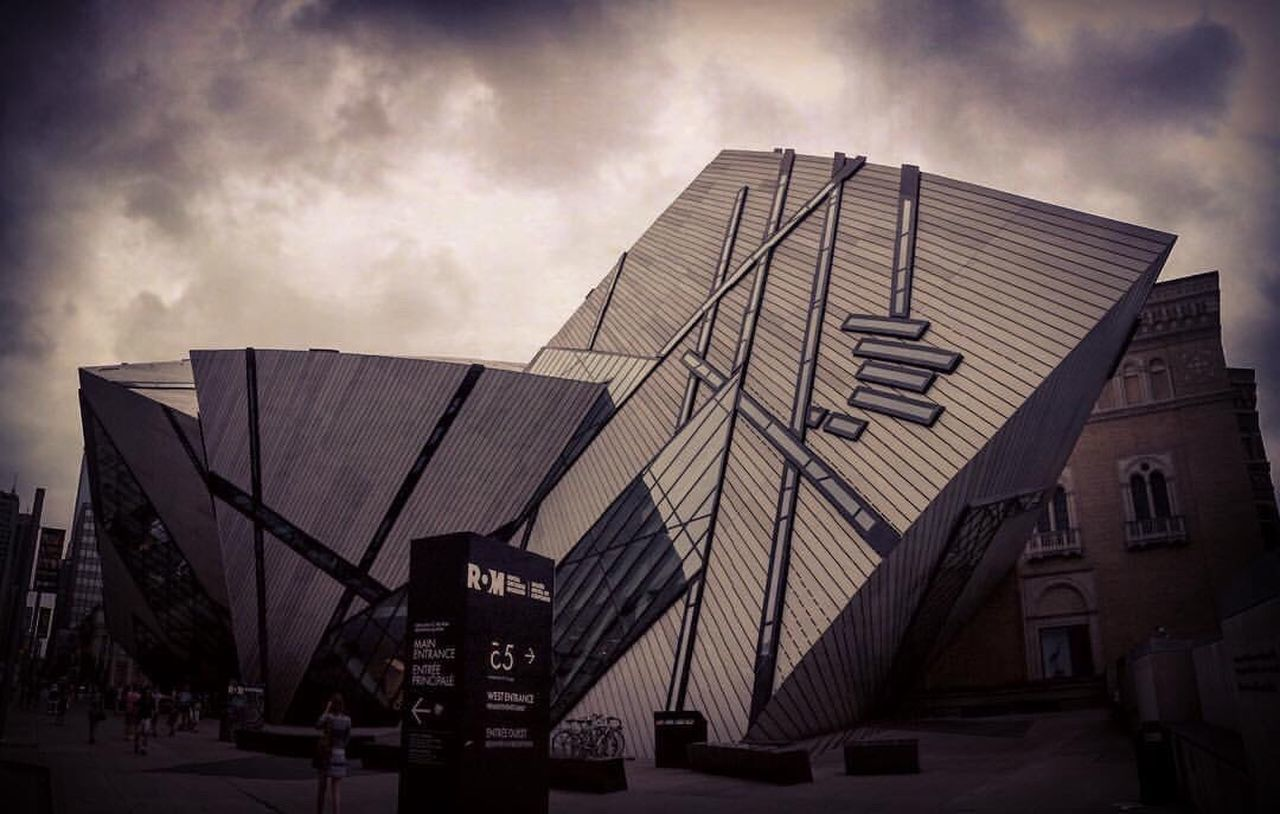 Architecture Building Design Rom Royal Ontario Museum Toronto Torontophotographer Downtown City Life Cityscapes WOW Eye4photography  Taking Photos IPhoneography Summertime Views Summer Views 6ix