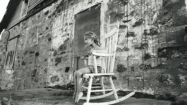 Hanging Out Relaxing Enjoying Life Taking Photos Family Time Littlesister Summer Black & White Summertime Oldhouse Chair Design Old Buildings Old House