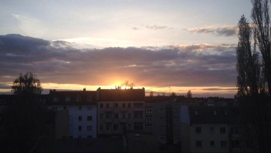 Sunset Sungoesdown🌅 Sunbehindberlin Berliner Ansichten Nightsofberlin Sunset_collection Sunsetporn Sunset Lovers Reinickendorf Berliner Fassaden
