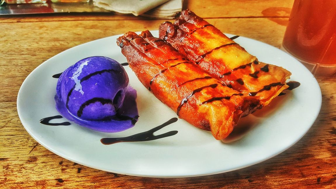 Purple yum ice cream and banana spring rolls... Food And Drink Close-up Table Food Plate Indulgence Meal Served Food Styling No People Serving Size Ready-to-eat Dessert Ice Cream Banana Springrolls Pinoyfood Only In The Philippines Foodphotography PhilippinesCuisine Restaurant Healthy Healthyeating Healthydessert