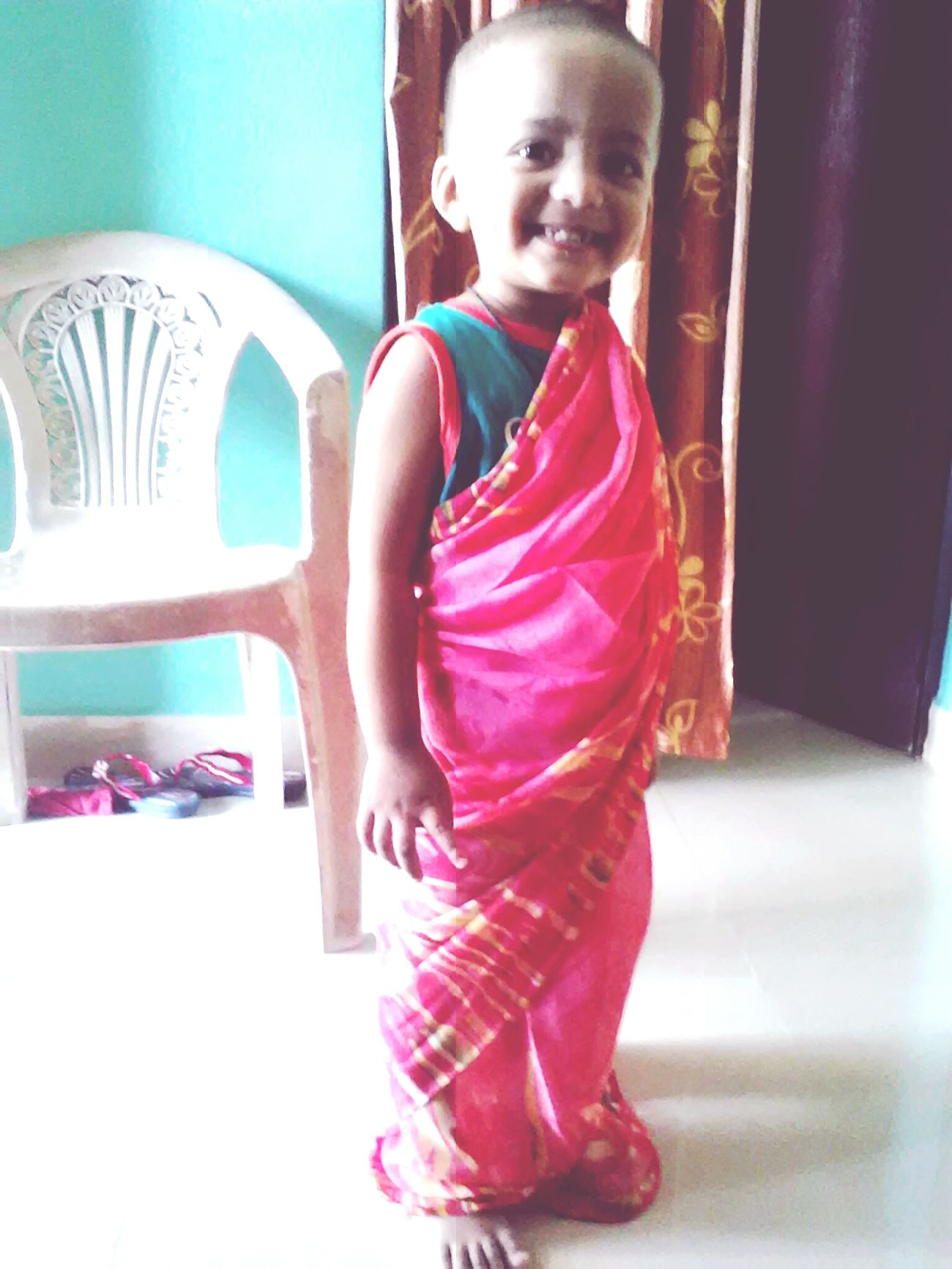 Hi Eyyemers  Taking Photos Embraceyourgoofiness Little Girl Cute♡ Having Fun :) Playing Dress Up Playing