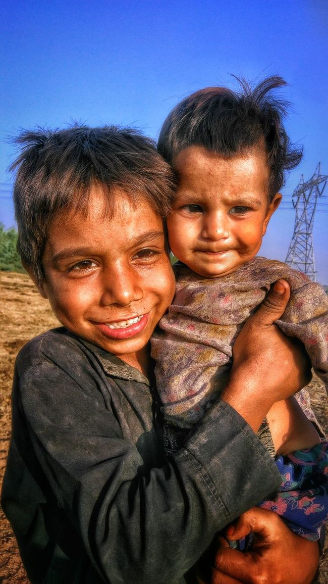 Togetherness Love Lifestyles Boys Elementary Age Looking At Camera Affectionate Innocent Eyes Children Joyfull People Together People Of EyeEm Togetherness Love Bonding Leisure Activity Friendship Lifestyles Boys Headshot Young Men Elementary Age Clear Sky Looking At Camera Family
