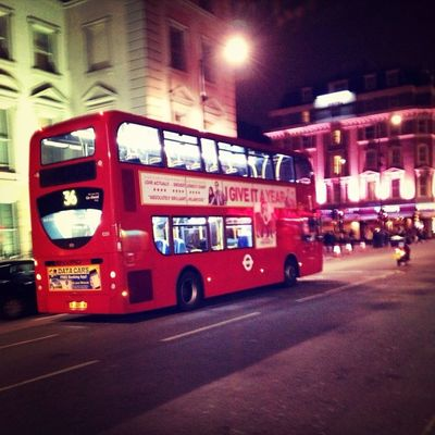 Traveling in City of London by Ramón Gea