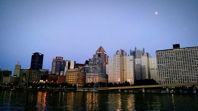 Cityscapes Pittsburgh Enjoying The Sights Night Lights