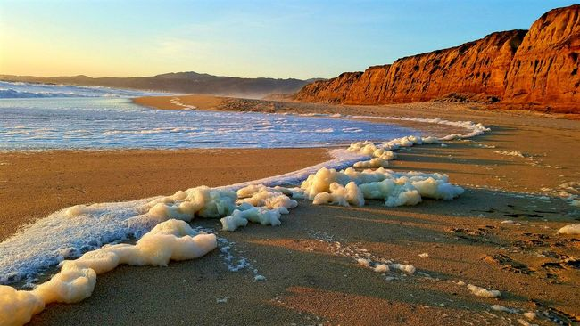 Sea Foam Cliffs Sunset Pacific Ocean California California Love West Coast Beachphotography Ocean My Perspective Myhappyplace Livelaughlove♡