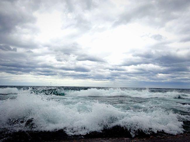 Clouds Sun Rays Lakeshore Adventures Lake Superior Waves Crashing