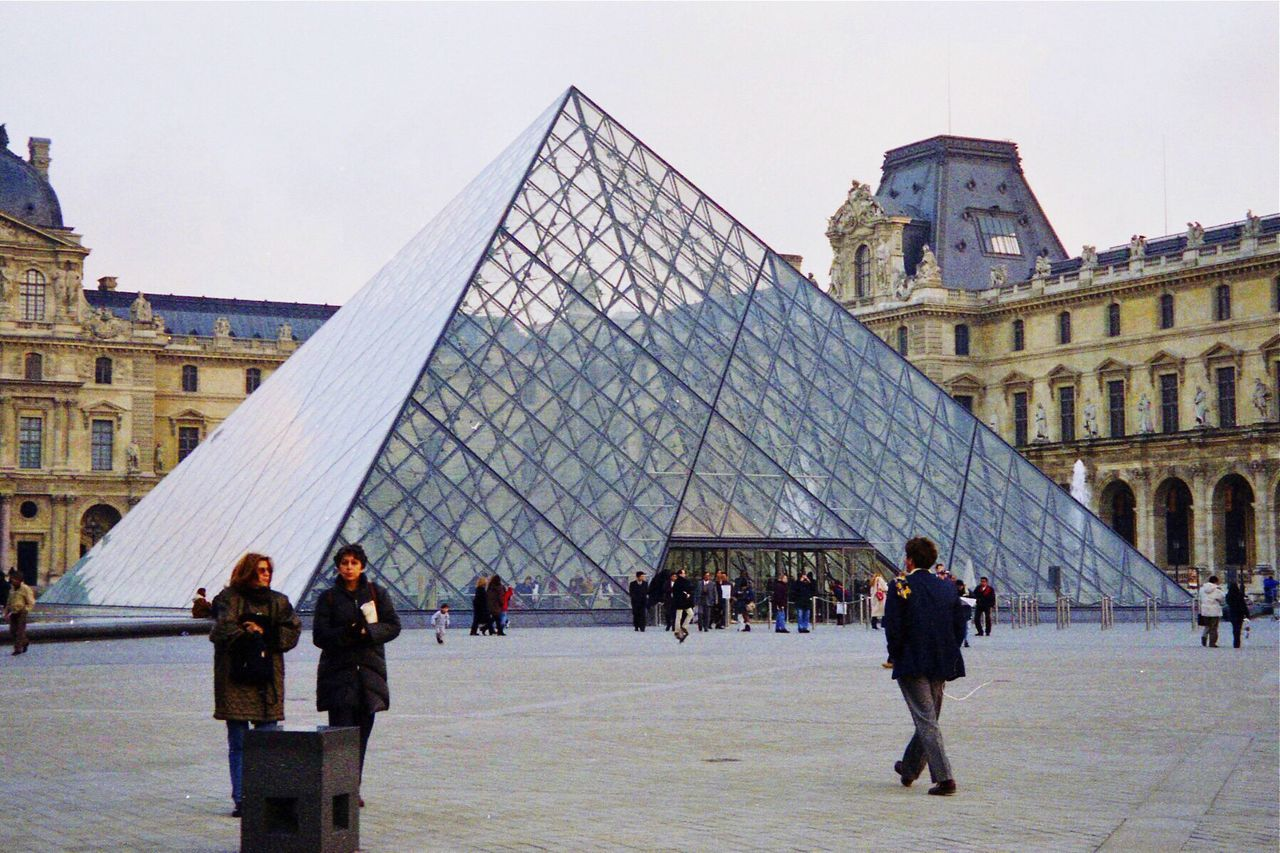 TakeoverContrast The Louvre Paris, France  Art Musuem People And Places People Of The City People In The City Discovery November 24, 1998, Louvre, Paris, France Embrace Urban Life The Architect - 2017 EyeEm Awards The Street Photographer - 2017 EyeEm Awards