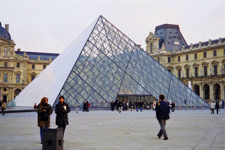TakeoverContrast The Louvre Paris, France  Art Musuem People And Places People Of The City People In The City Discovery November 24, 1998, Louvre, Paris, France Embrace Urban Life