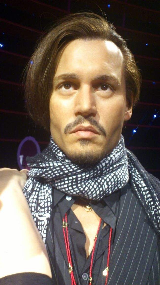 Close-up Front View Headshot Indoors  Johnny Depp Leisure Activity Lifestyles Looking At Camera Person Portrait Wax Museum Young Adult