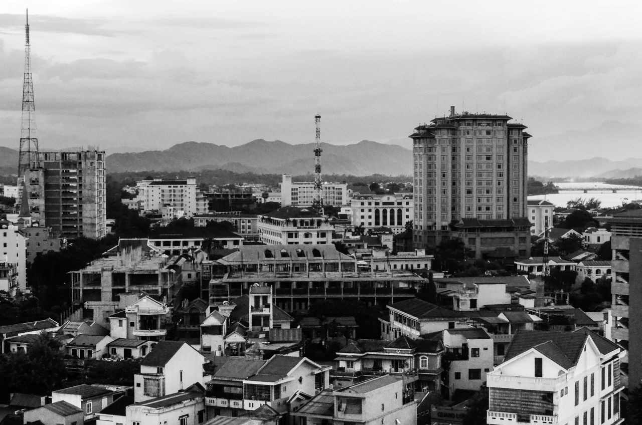Huế Architecture Blacjandwhite Black And White Building Exterior Built Structure City Cityscape Crowded Day Huế Lanscape Photography Outdoors Sky Sonjewel Sonjewelphotographer Travel Destinations Vietnam