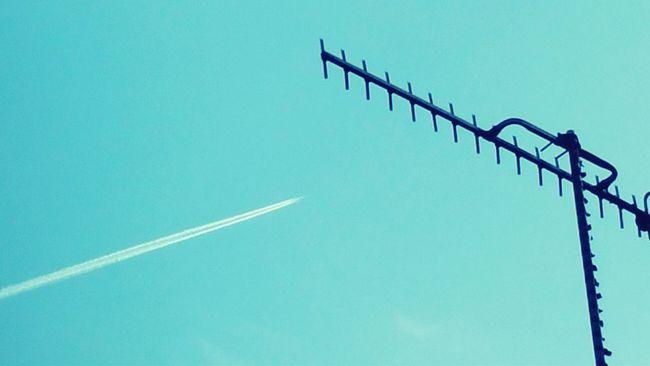 Ariel Sky Negative Space Jet 35.ooofeet Contrails Taking Photos EyeEm Best Shots Eyeem All The Way
