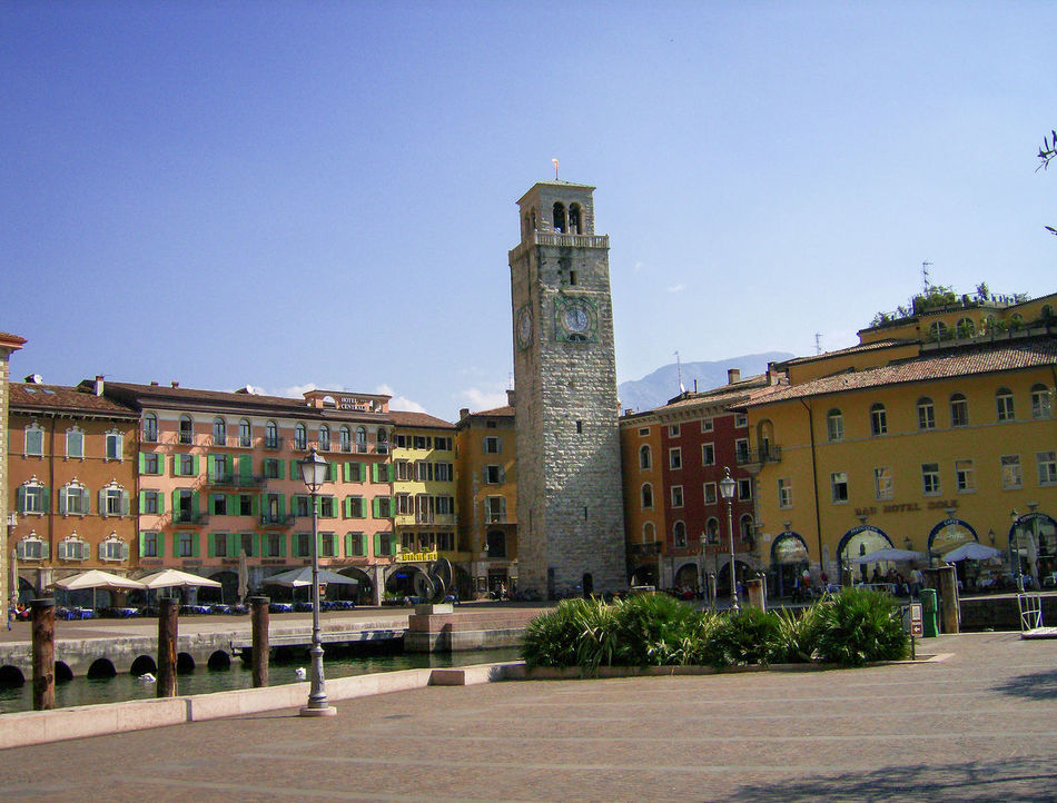 italia Architecture Building Exterior Built Structure City Cityscape Clear Sky Clock Clock Tower Day Italia Italie Italien Italy Italy❤️ Italy🇮🇹 No People Outdoors Piazza Platz Sky Square Torre Tower Town Square Travel Destinations