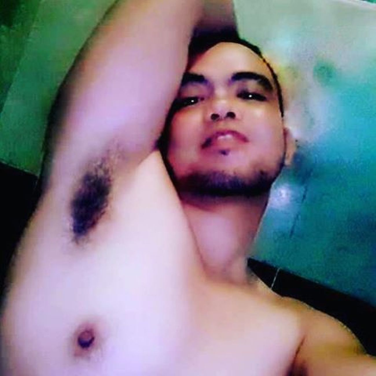 Every morning I always find a lot of guys in my newsfeed that has this pose... I did it but I still don't get it... Hehehe... ArmpitsGuy 😜💪