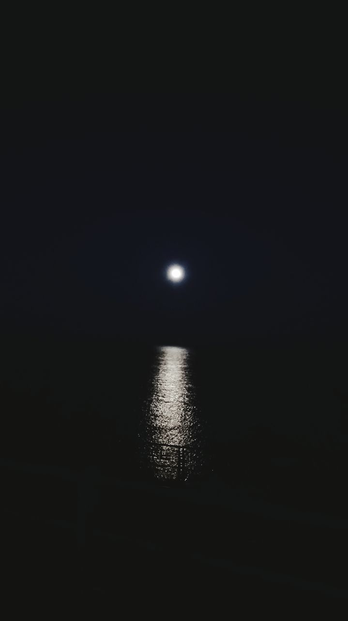 moon, night, scenics, sea, water, tranquil scene, tranquility, beauty in nature, no people, nature, silhouette, sky, moonlight, astronomy, outdoors, illuminated, horizon over water, space