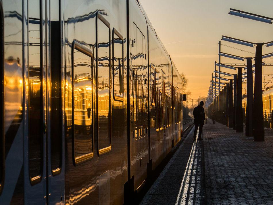 Day Lowlight Outdoors Public Transportation Silhouette Sky Sun Sunset Train Trains Elron Built Structure Connection Technology Citylights