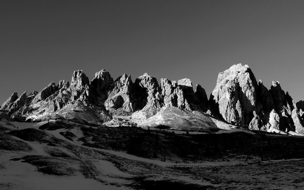 Cirspitzen im winterlichen Abendlicht Black And White Photography Cirspitzen Clear Sky Climbing Dantercepies Dolomites Evening Light Gran Cir Groedner Joch Gruppo Del Cir Italy Landscape Photograpy Light And Shadow Mountain Mania Mountain Range Mountains Nature Olympus OM-D E-M1 Mark II Outdoor Activities Panoramic View Passo Gardena Scenics Sky Travel Destinations Val Gardena