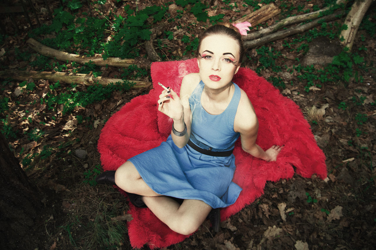 Pick Nick Alice In Wonderland Beauty Cigarette  Forest Girl Linas Was Here Makeup Model On The Ground Smoke Smoking The Look Woods
