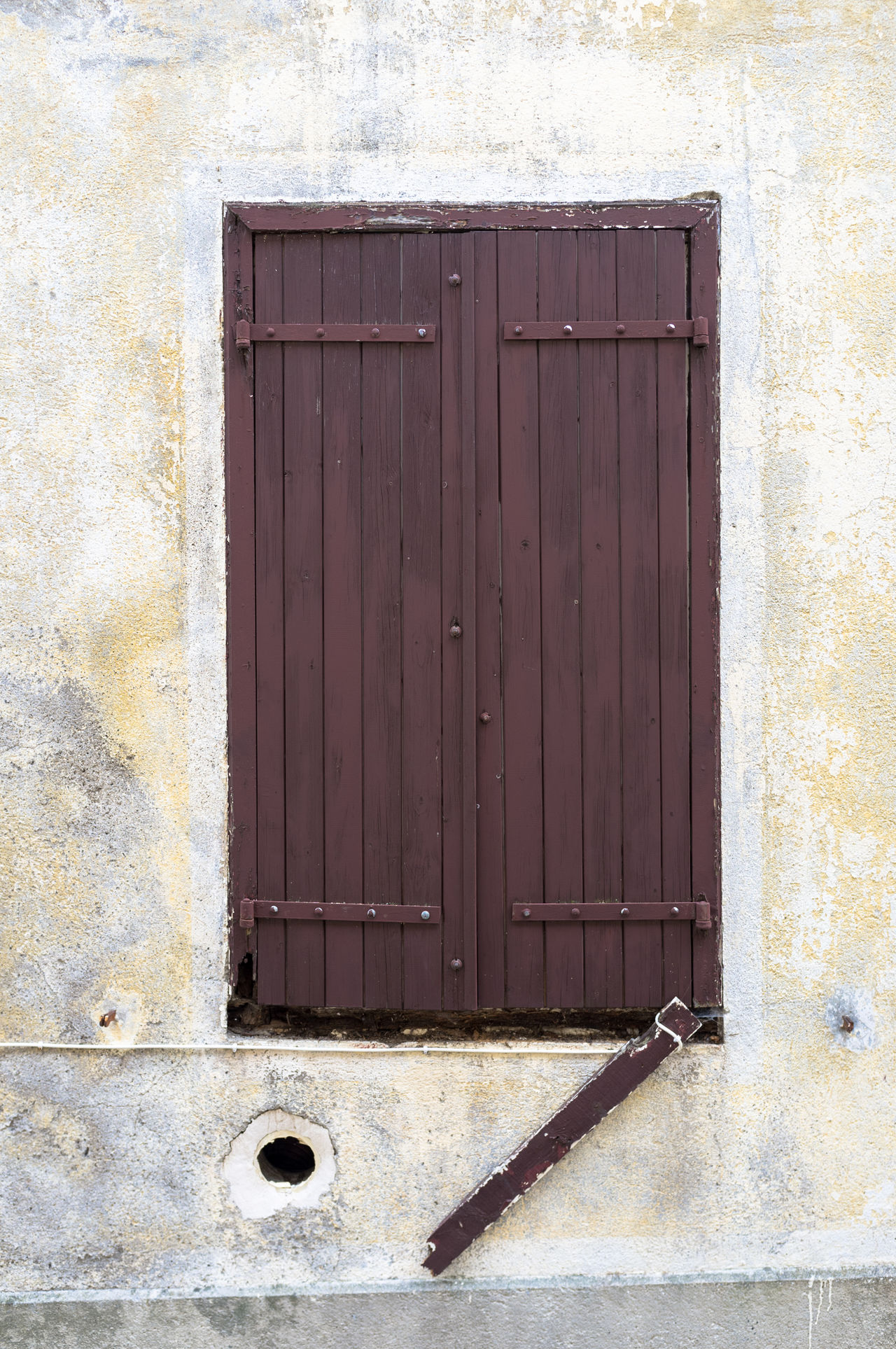 Architecture Building Exterior Built Structure Close-up Closed Day Door Entrance House Languedoc Lapradelle-Puilaurence No People Outdoors Southern France Urban Decay Urban Fragments Urban Geometry Urban Landscape Urbanphotography