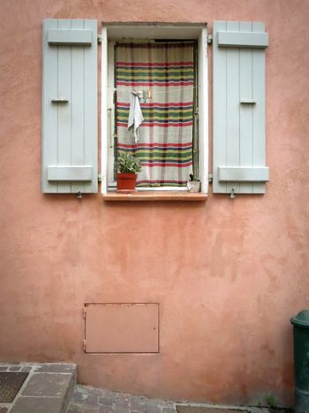 France 🇫🇷 France Windowsaroundtheworld Window Matching Colors Curtains Can Be Beautiful Lovely Whats Behind Colored Walls Vacation Travel Plants In Windows Lovely Windows! Côte D'Azur Feel The Journey Enjoy The Moment Wooden Shutters Street Photography Streetview Cozy Village Lifestyle Old Buildings Village Photography Old Curtains Old-fashioned