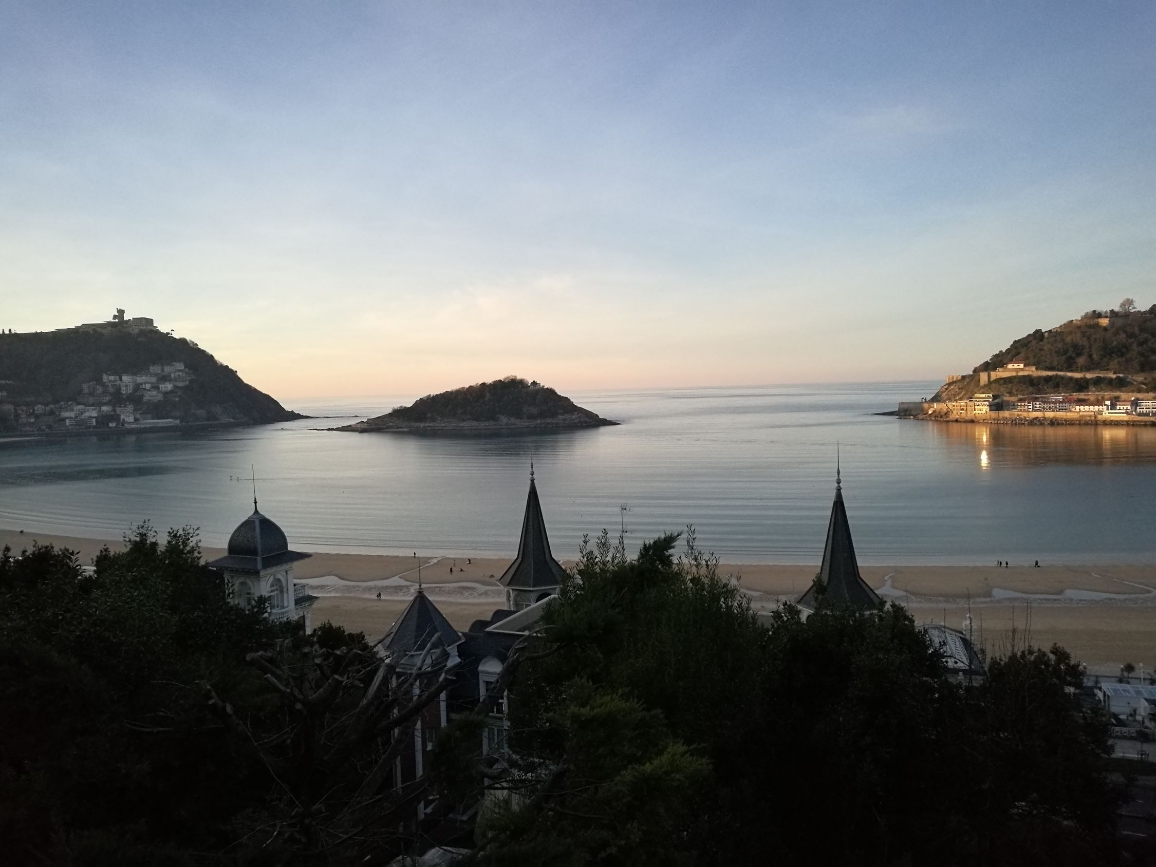 Donostia / San Sebastián Donosti  Donostiarra Sunset No People Beauty Water Sea Island City City Life Cityscape Cityscapes Beauty In Nature Beautiful Nature HuaweiP9 Donos Huaweiphotography Huawei P9 Leica Tree Scenics Outdoors Donos Euskadi EyEmNewHere