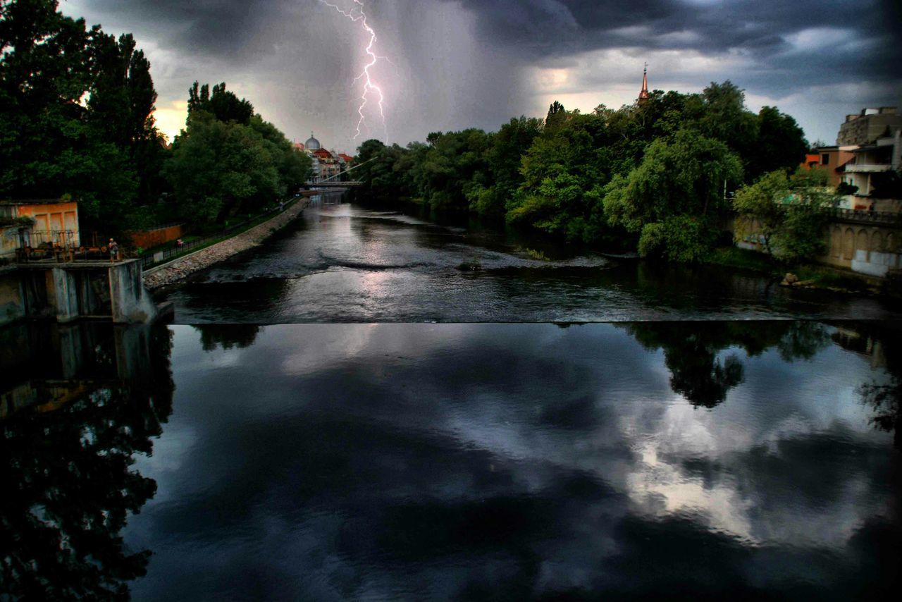 Oradea,România Lightning Lightningphotography River Collection River View Watet Reflections Water Surface Cityscape Stormy Weather