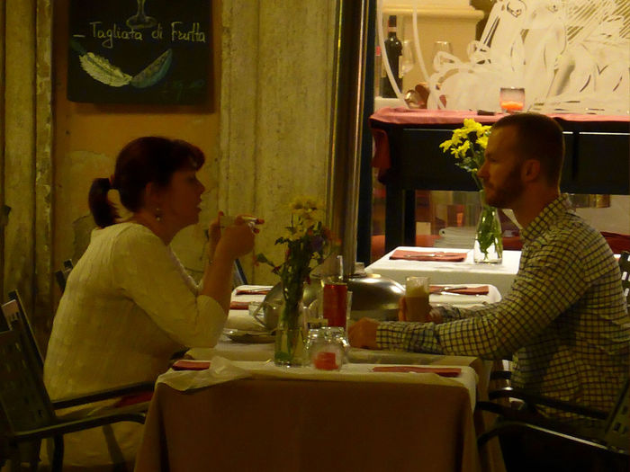 Rome Italy Real People Streetphotography Reastaurant Couples❤❤❤