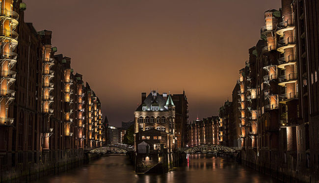 Architecture Building Built Structure Canal Chile Haus Circular City City Life Cityscape Illuminated Innenhof , No People Outdoors Patio Reflection Sky Travel Destinations Water Waterfront Welrkulturerbe Wide-angle Wide-angle Lens World Heritage