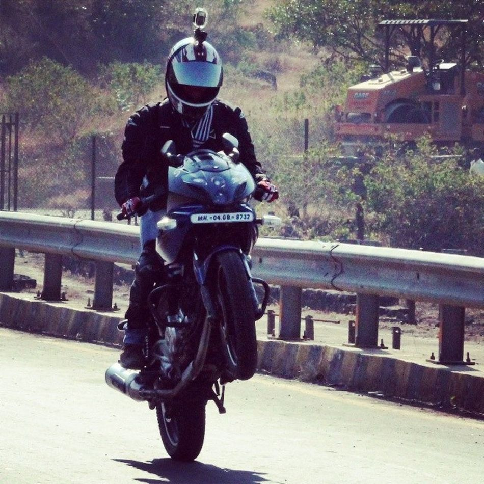 Live High... Touch The Sky.. ;) :P Pulsar220 Wheelie Lonavala Bike_riders_mumbai Anniversary Ride Bikerbuddies Riding Enjoying Memorable