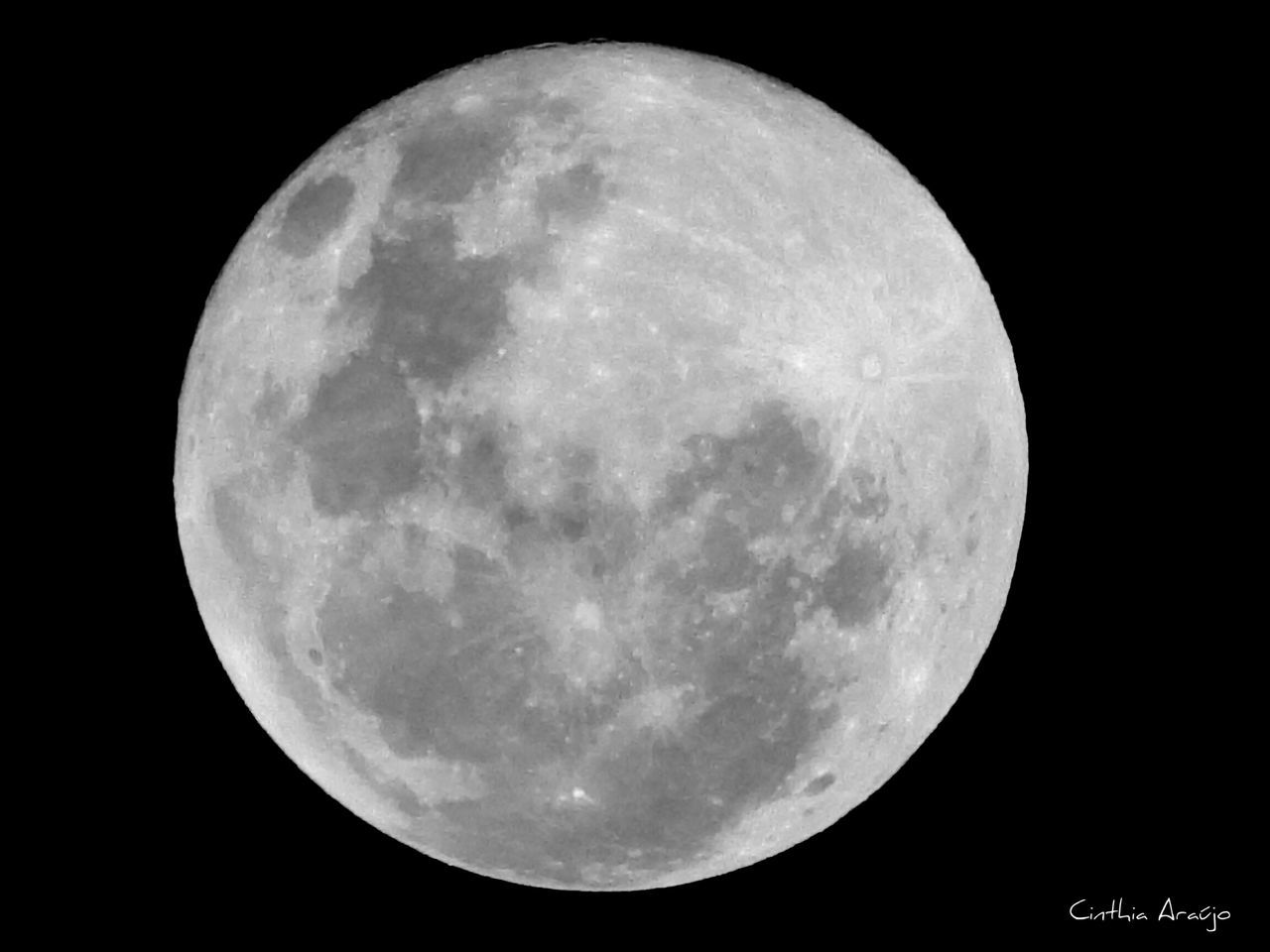 04 / 04 / 15 Às 19 : 55hrs AmorPelaFotografia Nikonphotography Nikonl820 People watching The Moon Lovethemoon