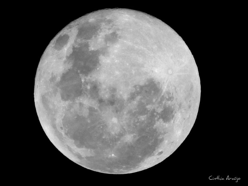 04 / 04 / 15 Às 19 : 55hrs AmorPelaFotografia Nikonphotography Nikonl820 People watching The Moon Lovethemoon