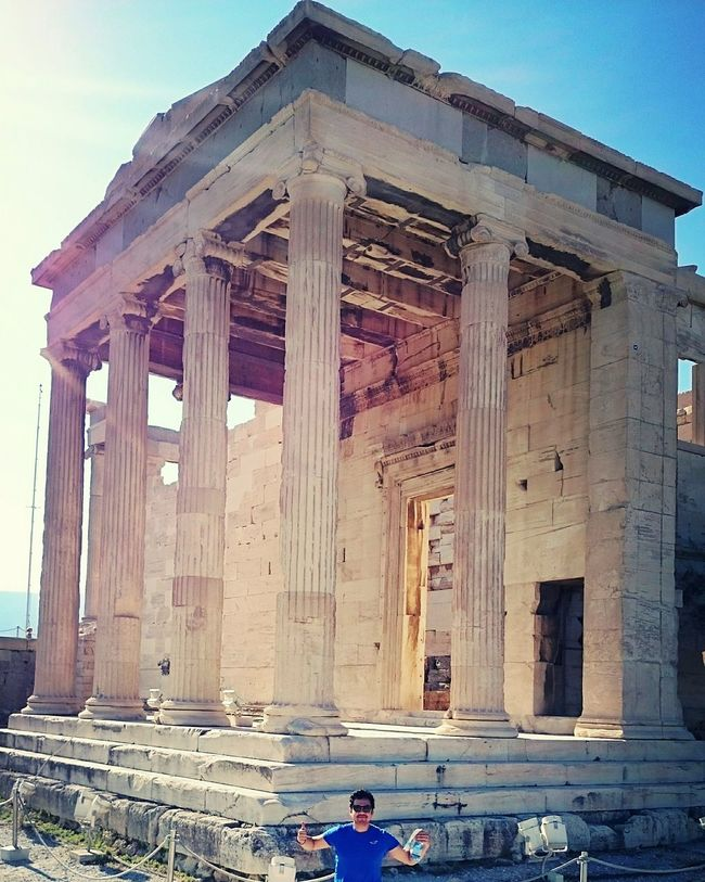 Standing in front of a temple that was built thousands of years ago. The old temple of Athena. Amazeballs Monuments Architecture Wheningreece Eyemphotography Greece