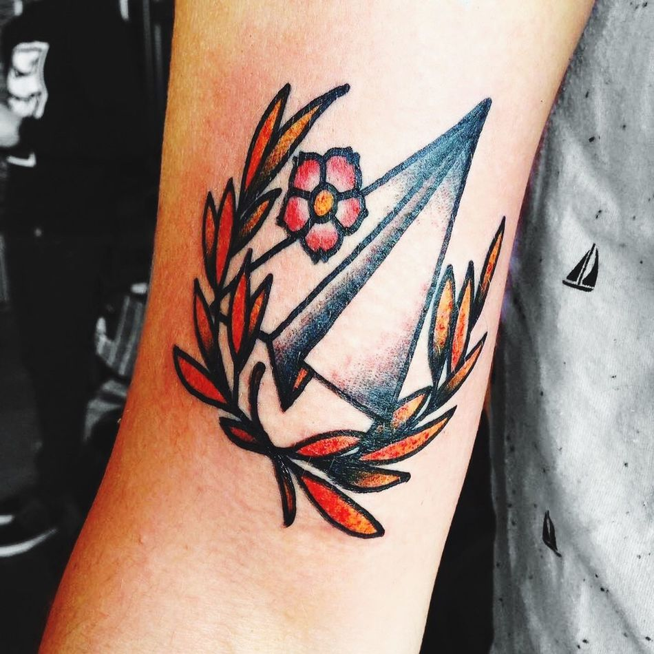 """French Tattoo Paperplanes """"le moteur es le cœur d'un avion, mais le pilote est son âme"""" / """"el motor es el corazón de un avión, pero el piloto es su alma"""" / """"the engine is the heart of an airplane, but the pilot is its soul"""""""