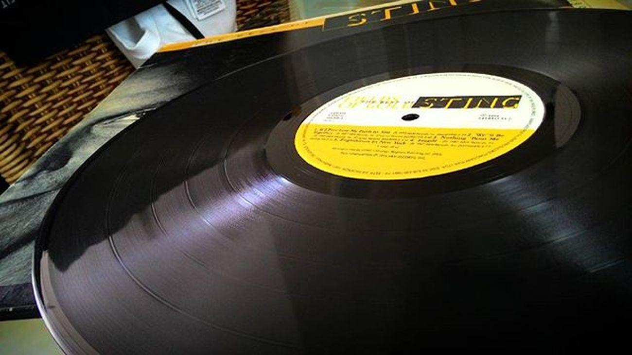 Uma coletânea, de 1994, do mestre Sting ... Impecável seleção, em um Vinyl duplo, edição de luxo... Sonzeira! Instamusic Music Playlist Vinil LP Retro Record Album Vinylcollector Vinylcollection Vinylplayer Records Vinyladdict Vinilforever Vinillovers Discoécultura