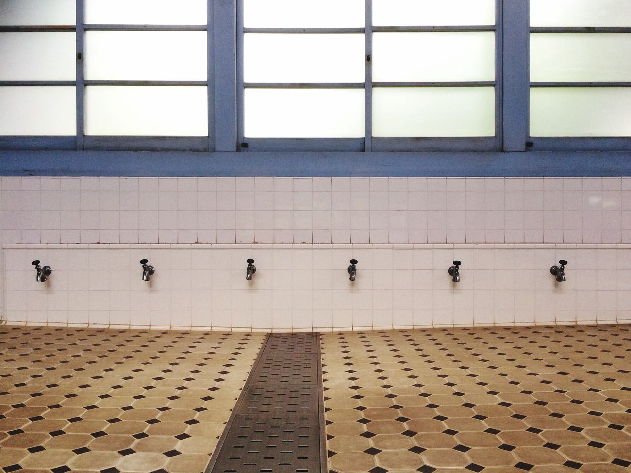 Beautiful stock photos of floor, , Absence, Day, Faucet