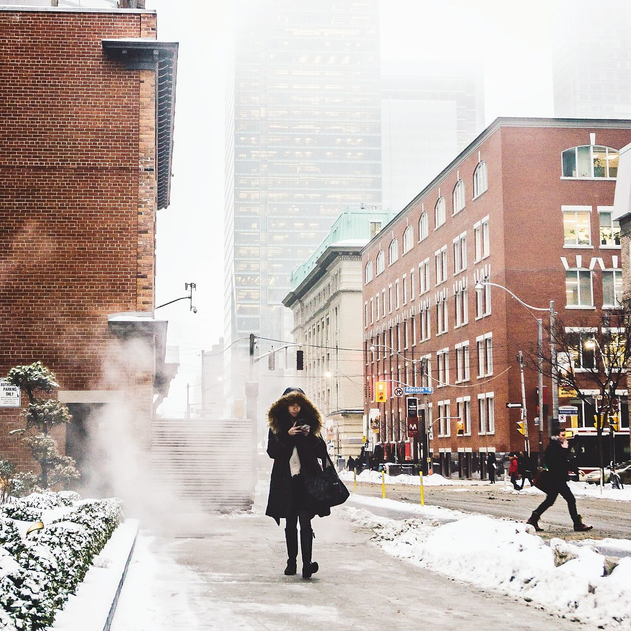 Toronto Cityscapes Open Edit EyeEm Best Shots Urbanphotography Street Photography Streetphotography Urban The Street Photographer - 2015 EyeEm Awards Urban Lifestyle It's Cold Outside