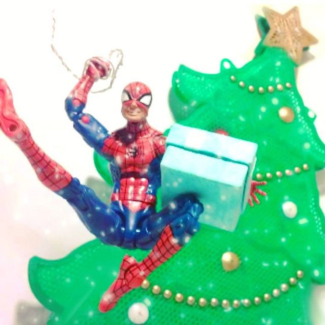 Merry Christmas everyone! Have a happy holiday and be safe!😄😄🎅🎄🎁MerryChristmas Xmas Marvellegends Amazingspiderman Spiderman Happyholidays Toyleague Toyelites Articulatedcomicbookart Actionfigurephotography ACBA Toyphotogallery Toyphotogram Toyuniverse Toyunion Toycrewbuddies Toyplanet Toybornes Ata_dreadnoughts Toyartistry_elite Toyaremydrugs Toysarehellasick Toystagram Toyslagram Anarchyalliance rebeltoysclub toyrevolution toycommunity epictoyart actionfigures