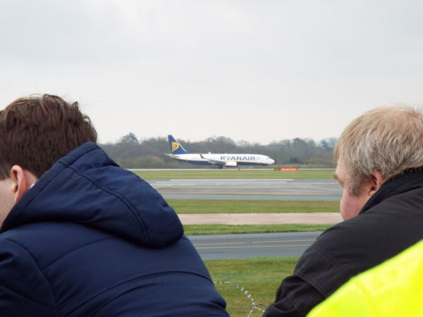 Up Close Street Photography Manchester Airport Plane Airport Airplane Aircraft AirPlane ✈ Ryanair