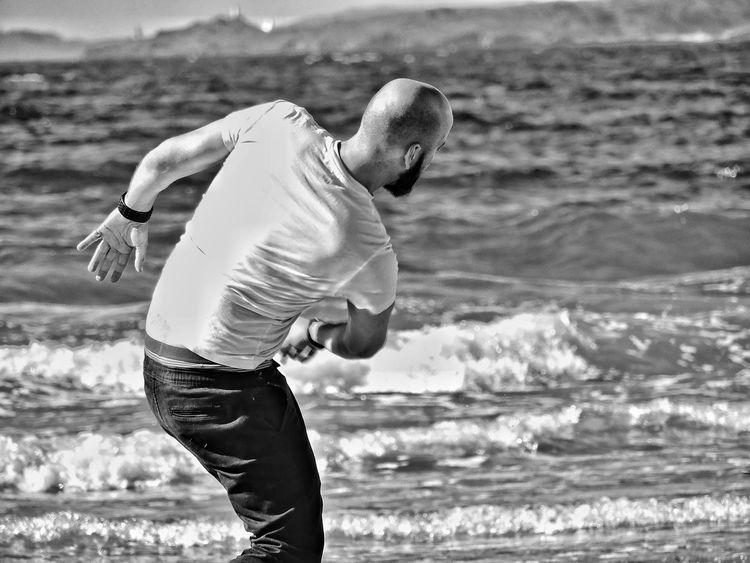 Juego de niños... Love HOY Y SIEMPRE Blancoynegro B&n Blackandwhite Capture The Moment B&w Love Sunday Enjoying Life Beach Galifornia Galicia Playa Prado
