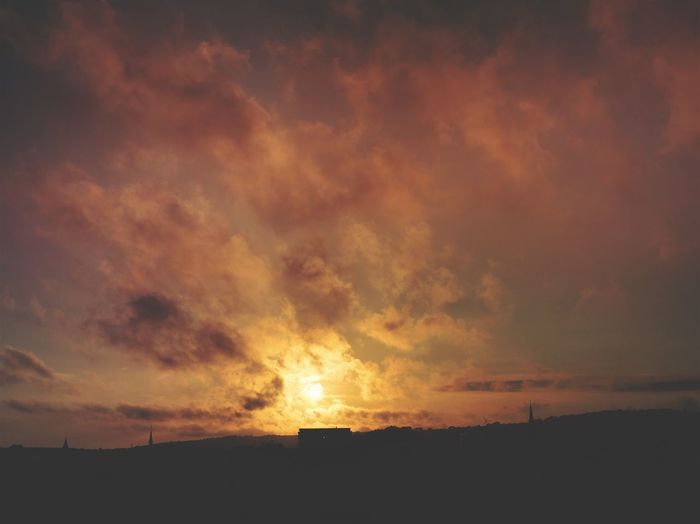 ..... /// Burnt Horizon \\\ ..... Sunset Sun Clouds Sunset Silhouettes Devon Check This Out Taking Photos First Eyeem Photo