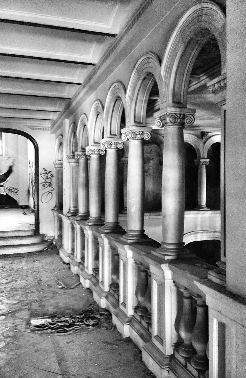architectural column, arch, in a row, no people, pillar, architecture, day, indoors, illuminated