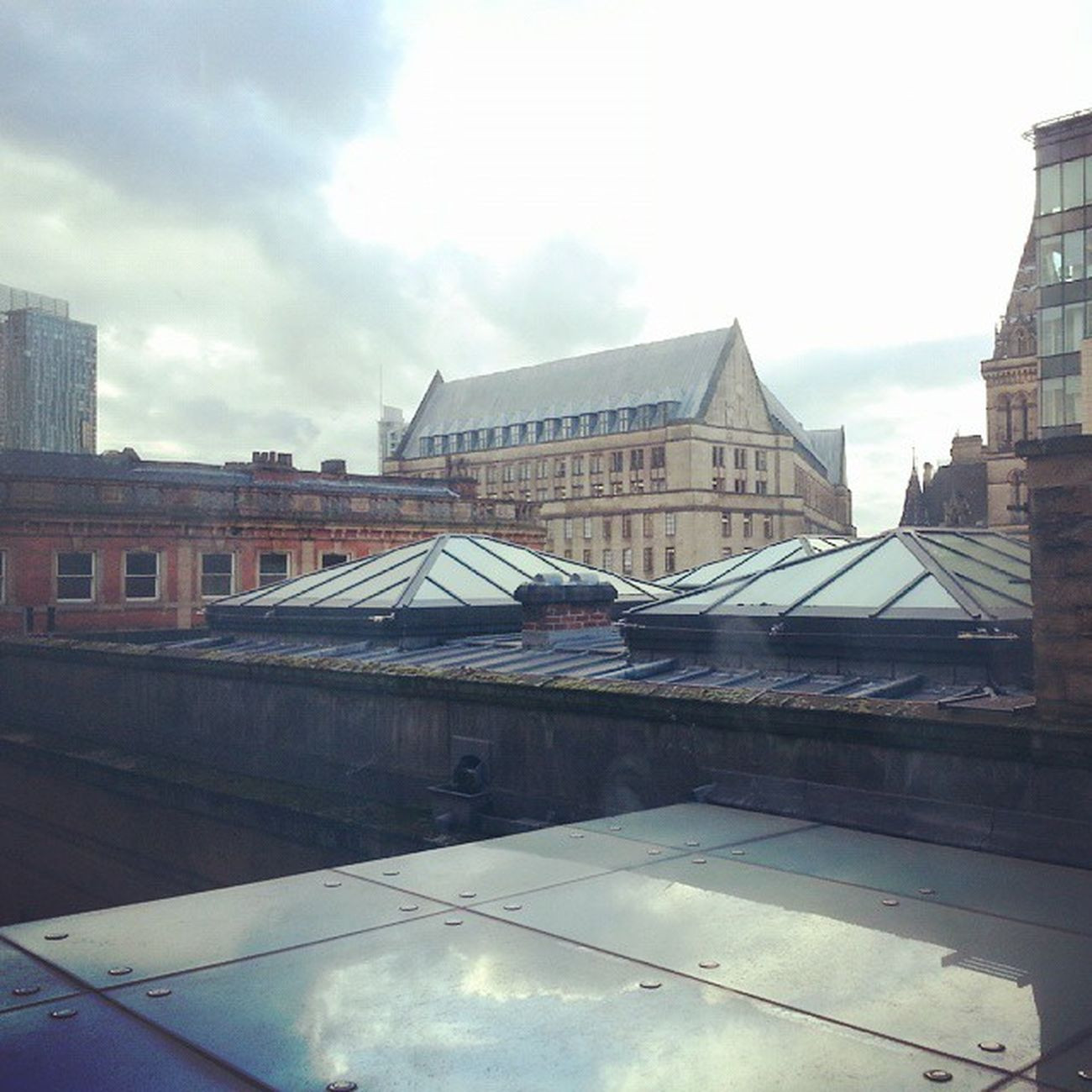 Rooftop Rooftops Manchester Manchesterartgallery Art Artgallery View Reflection Sky Cloudporn Cloudy Afternoon Redbricks Igers Igtravel Mytravelgram Dejavu Balcony Glass Urban Architecture Architectureporn England