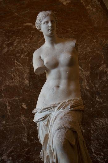 Paris Louvre Venus De Milo