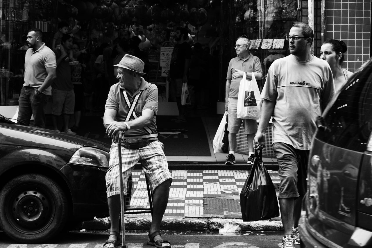 Sometimes, everybody just look for one side... Streetphotography Blackandwhite First Eyeem Photo