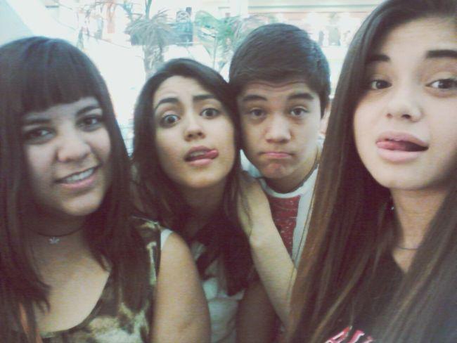 con los amigos ♥