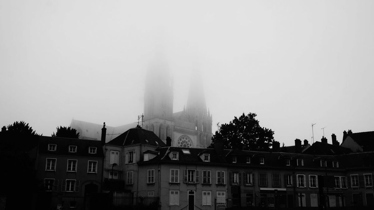 Black & White Blackandwhite Bnw Cathedrale Chartres Cityscapes Foggy Morning France